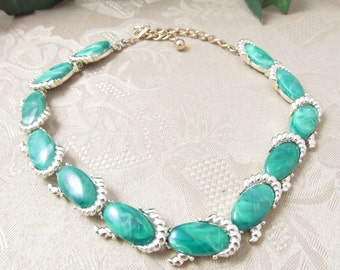 Vintage Kramer Marbled Green Lucite Link Necklace 50's Era Gold tone Setting Gorgeous Accents Excellent Condition