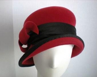 Women's 1920s style Felt Cloche Hat in Red Downton Abbey Winter 1920s