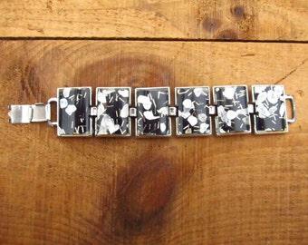 Vintage Black ans Shell Lucite Bracelet  - Embedded Lucite Jewelry - Black Lucite