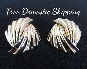Vintage Ribbed Earrings, Gold Tone Earrings, Art Deco Earrings, Mid Century Earrings, Fashion Earrings, Pierced Earrings, Free US Shipping