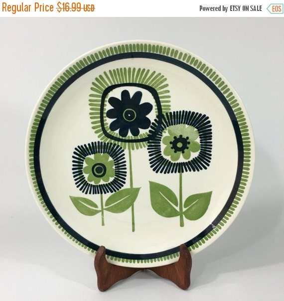 ON SALE Mod Flower Serving Platter, Vintage Retro Navy and Green Large Ceramic Plate, 11.5""