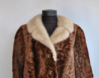 Vintage LAMB FUR JACKET with mink fur collar...............(218)