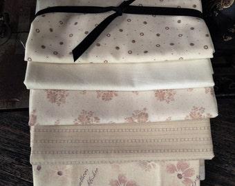Fabric: Bundle Half Yard 5pc Sampler - Light Cream Selection - Lecien/Windham Fabric