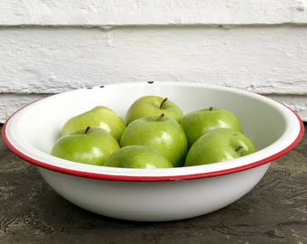 "12"" white enamelware bowl with red rim ~ fruit bowl ~ white enamelware bowl ~ produce bowl ~ farmhouse bowl ~ farmhouse antique"