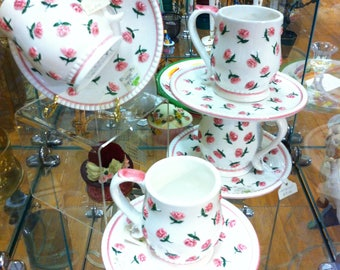 Service for 4, Roses on Mugs and Saucers, Bridge Club Tea?
