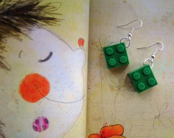 Delicious earrings with coloured plastic cubes 2 x 2 in various colors