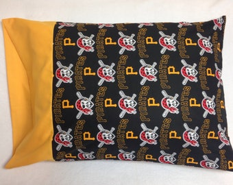 MLB Pirates Standard Pillowcase