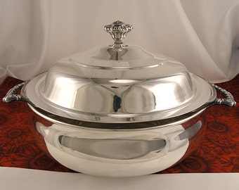 Vintage Large Round Eagle Wm. Rogers Silver Plate Covered Casserole Bowl With 3 Qt. Clear Pyrex Ovenware Glass Insert