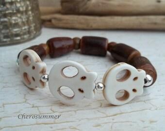 Opulent wood Beads Bracelet skull beige for men