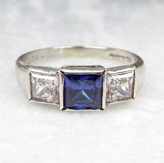 Vintage / Art Deco Style 9ct White Gold Violet Blue Iolite Trilogy Ring / Size N