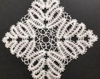 Doily lace square