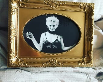 """Black and white print of Marilyn Monroe in a gold frame 6x4"""""""