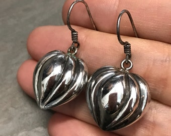 Vintage sterling silver heart shaped drop earrings, Solid 925 textured heart, stamped 925