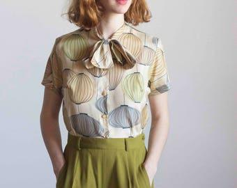 Silk Lantern Print Tie Neck Blouse 1950s Vintage // Size Medium
