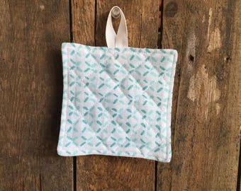 Child's Hot Pad (matches Apron and Oven Mitt play set), broken X's