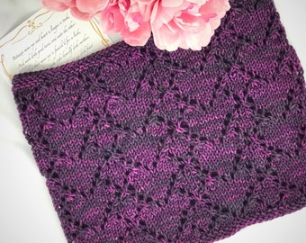 Heart Lace Cowl // Lace neckwarmer // Valentine's Day gift // knitted gifts // cashmere // silk // merino // Valentine Hearts // handmade