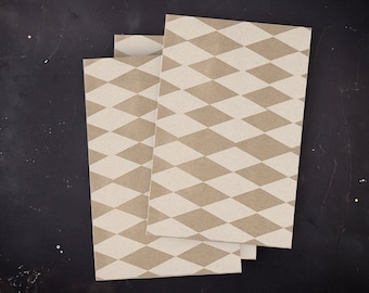 3 paper bags with white diamonds 17 x 25 cm