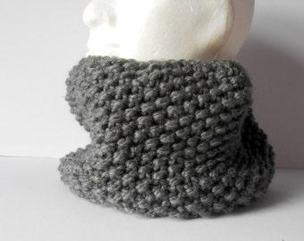 Men's Cowl Scarf. Men's gray cowl. Men's Winter Scarf. Chunky Neckwarmer. Gift for him. Winter Fashion. Men's circle scarf. Handmade Gift