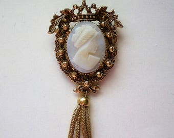 Florenza Carved Shell Cameo Brooch - 5263