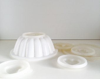 Lot of vintage Tupperware - Jello mold - bakeware - mid century modern kitchen ware - home decor
