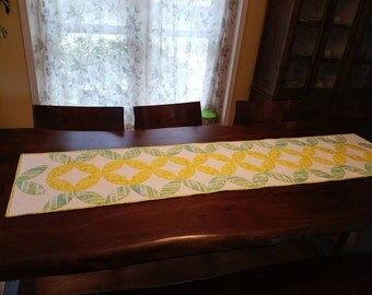 Bright and Cheerful quilted table runner.