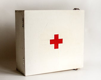 Vintage 1940s/50s/60s Scratch Built FIRST AID Kit Cabinet & Contents