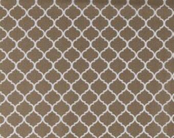 Khaki Mini Quatrefoil fabric - 100% Cotton Quilting Apparel Crafts Home decor