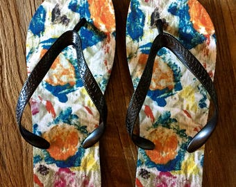 Flip Flop with swirl drawing by Leroy Morvant