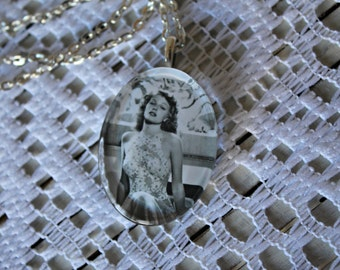 Vintage style necklace. Rita Hayworth necklace. Glass pendant. Handmade. Silver chain. Pretty picture!