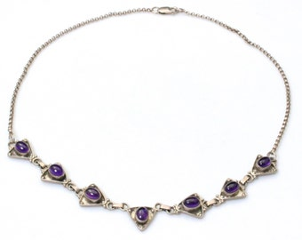Vintage Oval Cabochon Amethyst On Linked Sterling Silver Triangles Necklace
