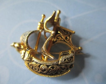 Pirate Ship Pin