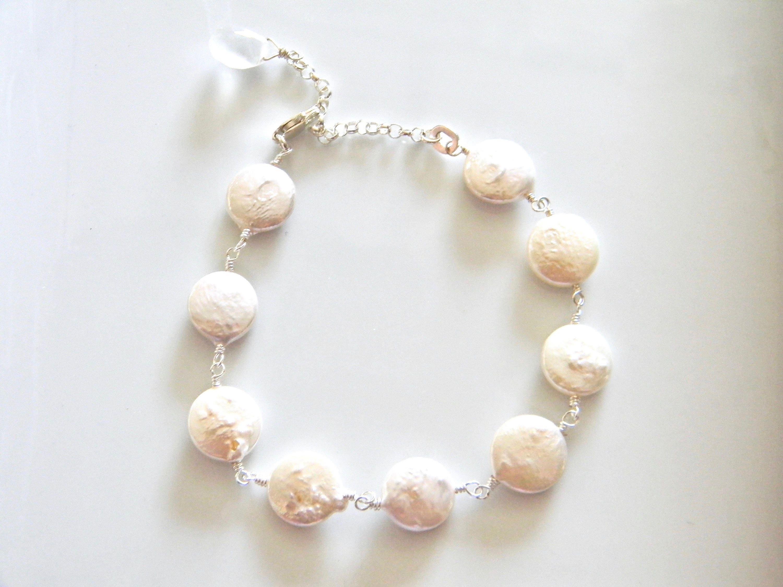 Adjustable June Birthstone Pearl Bracelet u9Y8qWH