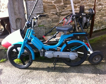 Vintage Piaggio Moped,Vespa Ciao Bravo,Motorcycle,1982,Project,some work needed,no pedals.