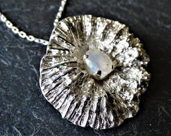 Coral disc pendant -  moonstone