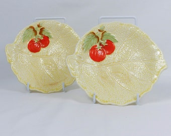 Pair 1930s Art Deco Style Crown Devon Fieldings nibbles serving dishes. Releif moulded Saladware White cabbage tomatoes Good Condition