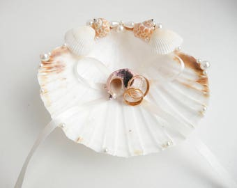 Seashell ring holder, Wedding Ring Holder, Sea shell Ring Bearer, Sea Wedding, Beach Ring Bearer, Beach Ring holder, Sea Shell Ring Pillow
