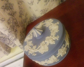 Vintage antique Wedgwood Jasper Blue and white vine decorated box