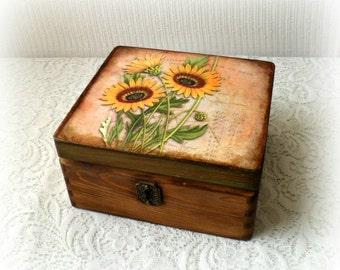 Vintage style wooden box ,keepsake box , decoupage box , treasury box , sunflowers box , brown box , rice paper