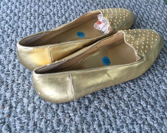 REDUCED! Vintage Women's  Jubilee gold metallic pump shoes for Christmas
