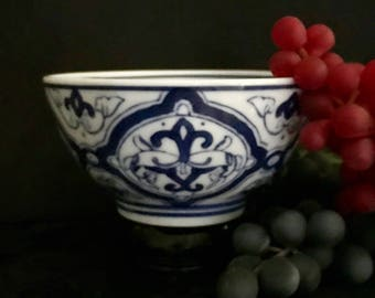 Chinese blue and white rice noodle soup bowl vintage porcelain