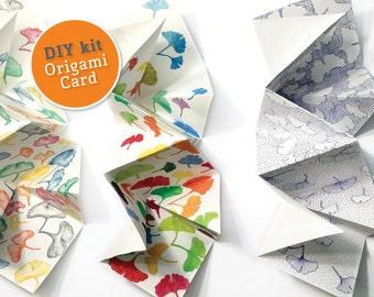 DIY kit Origami wenskaart om in te kleuren PDF. Downloadable origami wenskaart met ginkgo dessin