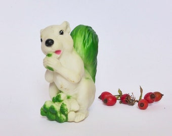 Cute Squirrel Vintage Rubber Toy ~ Squeaky Bath Toy ~ Kitsch Decor ~ Nursery ~ Retro Curio ~ Baby Toy ~ Toddler Toy
