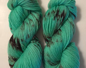 Hand Dyed Yarn worsted weight | 100% superwash merino wool   | 100 gr | Mint Chocolate Chip / super soft