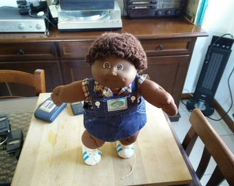 Rare 1984 AA Cabbage patch coleco with original cabbage patch clothes