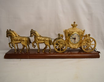Vintage United Clock Corp. Electric Figural Horse and Carriage Shelf Clock