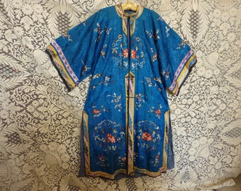 Blue silk Chinese coat antique hand embroidered, elegantly trimmed