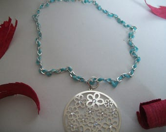 chain necklace with Ribbon and Medallion