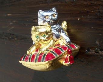 Vintage Estee Lauder 'Playful Kittens' Solid Perfume Compact made in Canada