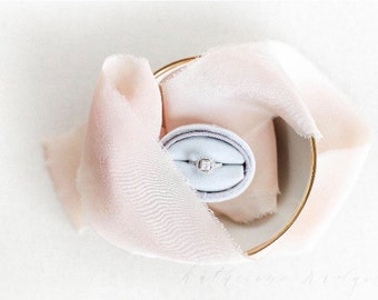 Ring Box Vintage Style Medium Oval Box in Dove Grey Antique Velvet For Weddings, Engagements, Popping The Question, Heirloom Storage, Gift G