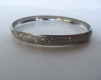 Bracelet  - Vintage Bangle  -